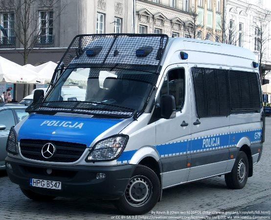 Policja Olkusz: Chciał zaimponować dziewczynie i w terenie zabudowanym przekroczył prędkość o 110 kilometrów