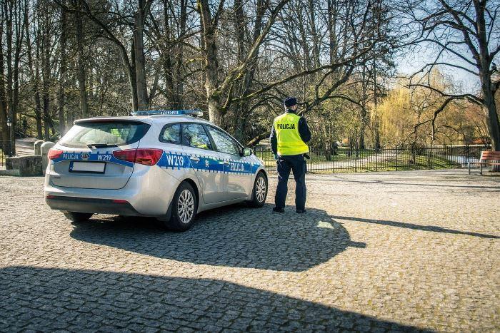 Policja Olkusz: Ze szczególną troską o bezpieczeństwo na przejściach dla pieszych. Konferencja prasowa
